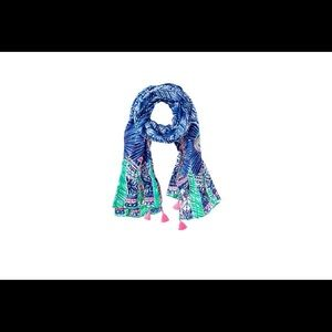 ⭐️ NWT Lilly Pulitzer Resort Scarf ⭐️